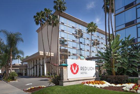 Red Lion Hotel Anaheim - Exterior