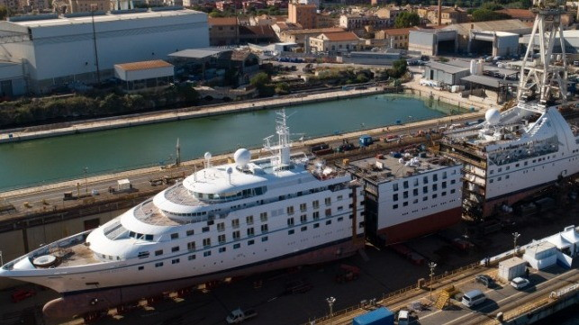 Fincantieri Cuts Windstar's Star Breeze in Half