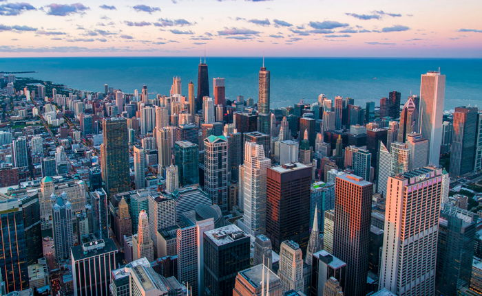 Hotels in Chicago, Illinois, registered the largest increases in each of the three key performance metrics: occupancy (+15.8% to 72.2%), ADR (+29.5% to US$154.74) and RevPAR (+49.9% to US$111.75).