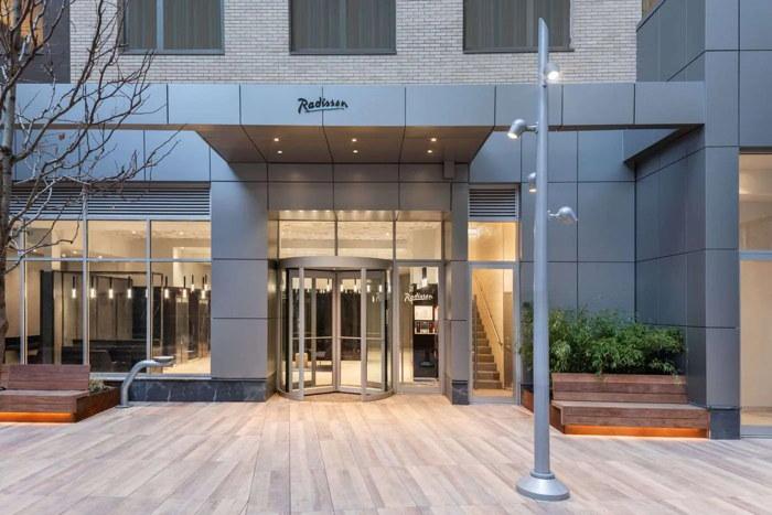 Radisson Hotel New York Times Square - Entrance
