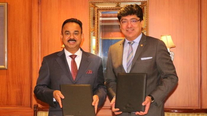 (left to right): Mr. K. Muraleedharan, Chairman and MD, Muralya Hotels & Resorts Pvt with Mr. Puneet Chhatwal, Managing Director and Chief Executive Officer, The Indian Hotels Company Limited (IHCL)