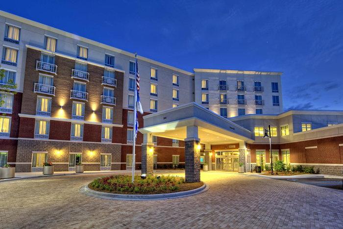 Hilton Garden Inn Charleston | Mt. Pleasant - Exterior