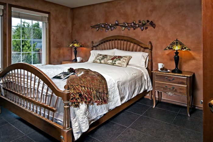 Guestroom at the Enliven Bed and Breakfast