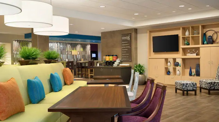 Home2 Suites by Hilton lounge