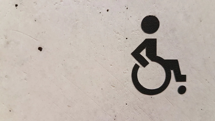 wheelchair signage - Unsplash