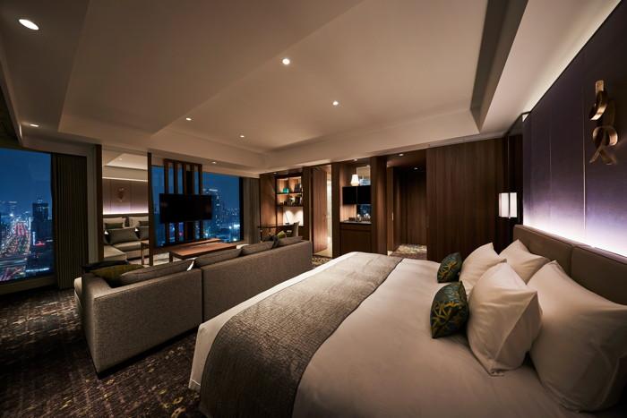Deluxe Corner King Room at the Royal Park Hotel Iconic Osaka Midosuji