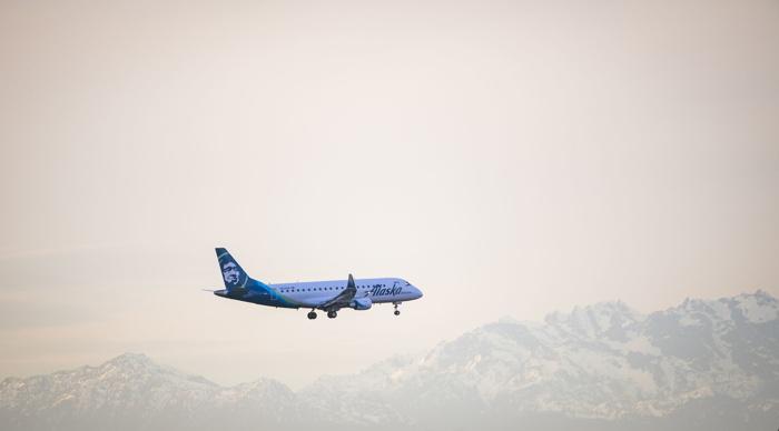 E175 in flight