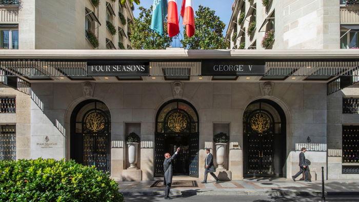 Four Seasons Hotel George V, Paris - Entrance