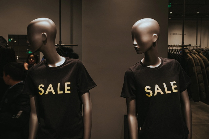 Two mannequins - Unsplash