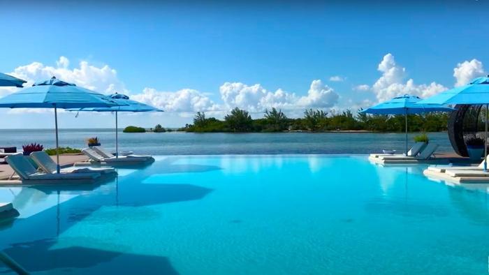 Turtle Island Beach Resort - Pool