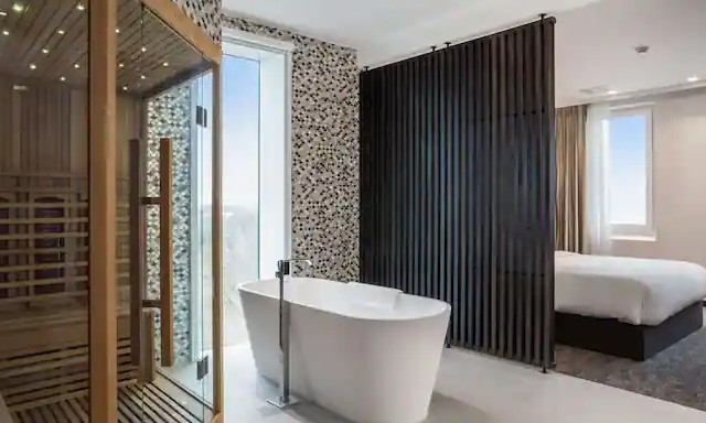 Suite at the Radisson Hotel & Suites Amsterdam South
