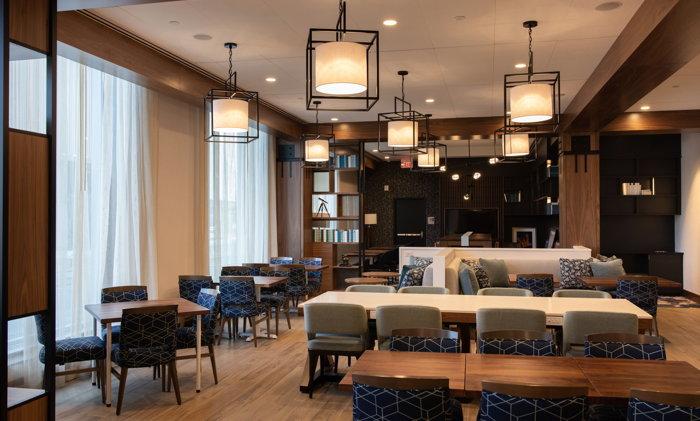 Hampton Inn and Homewood Suites by Hilton Boston Seaport - Lounge