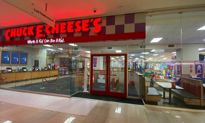 Chuck E. Cheese in El Salvador