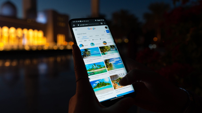 Google travel search on a mobile phone