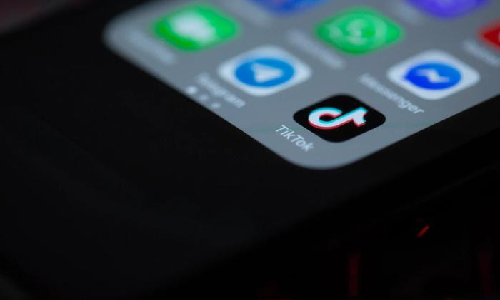 Cellphone menu with 'Tik Tok' icon on menu - Unsplash